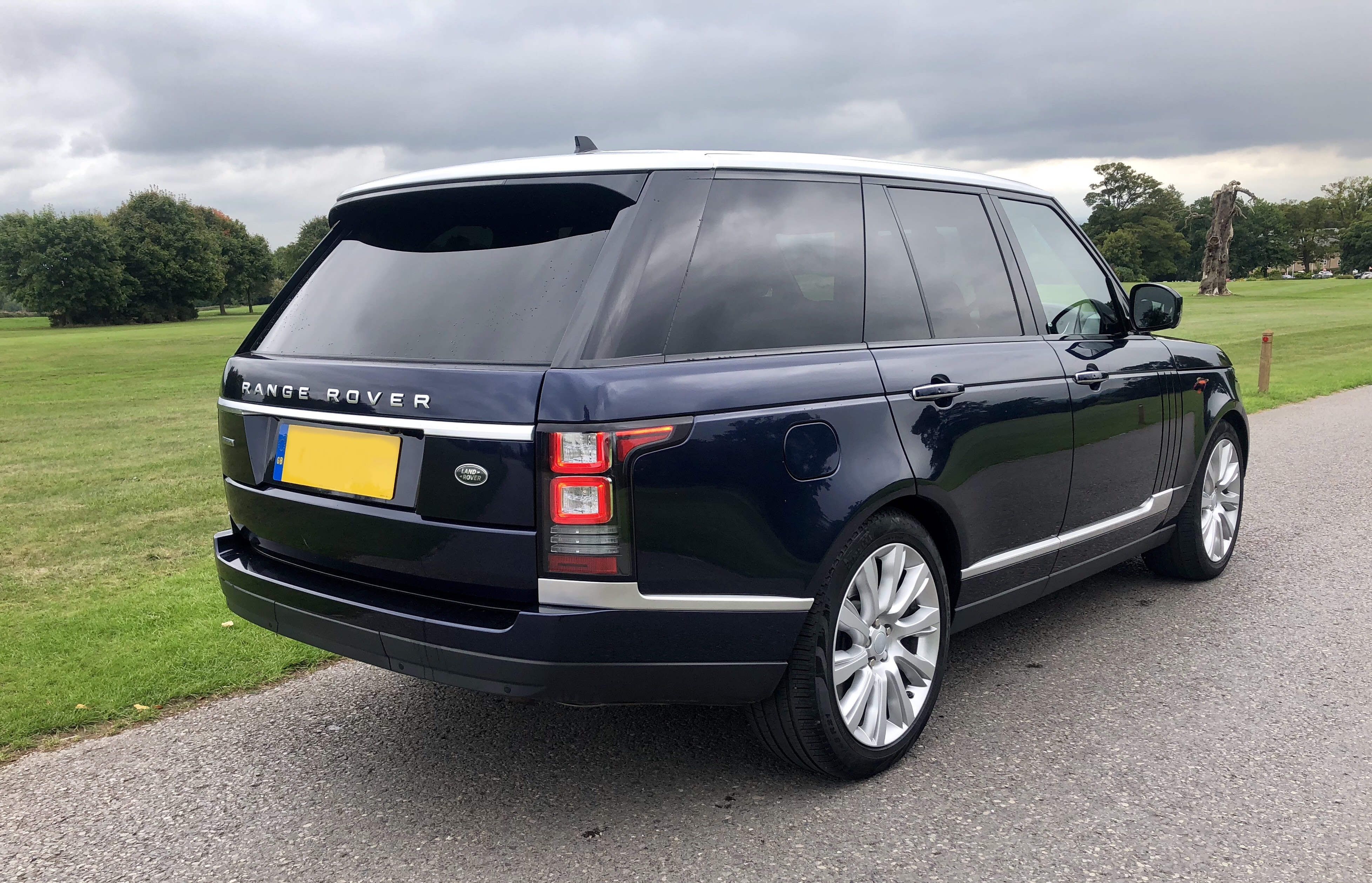 Red Carpet Cars   Luxury Wedding Car Hire North West   Range Rover