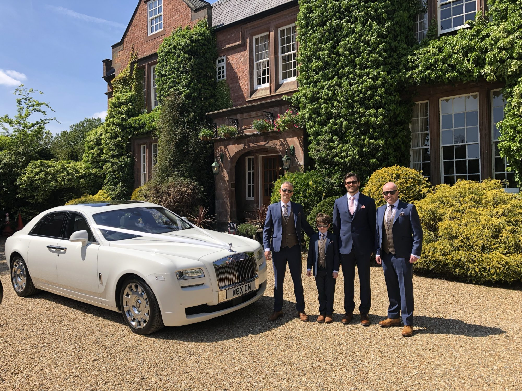 Red Carpet Cars | Luxury Wedding Car Hire North West | Rolls Royce and Groomsmen